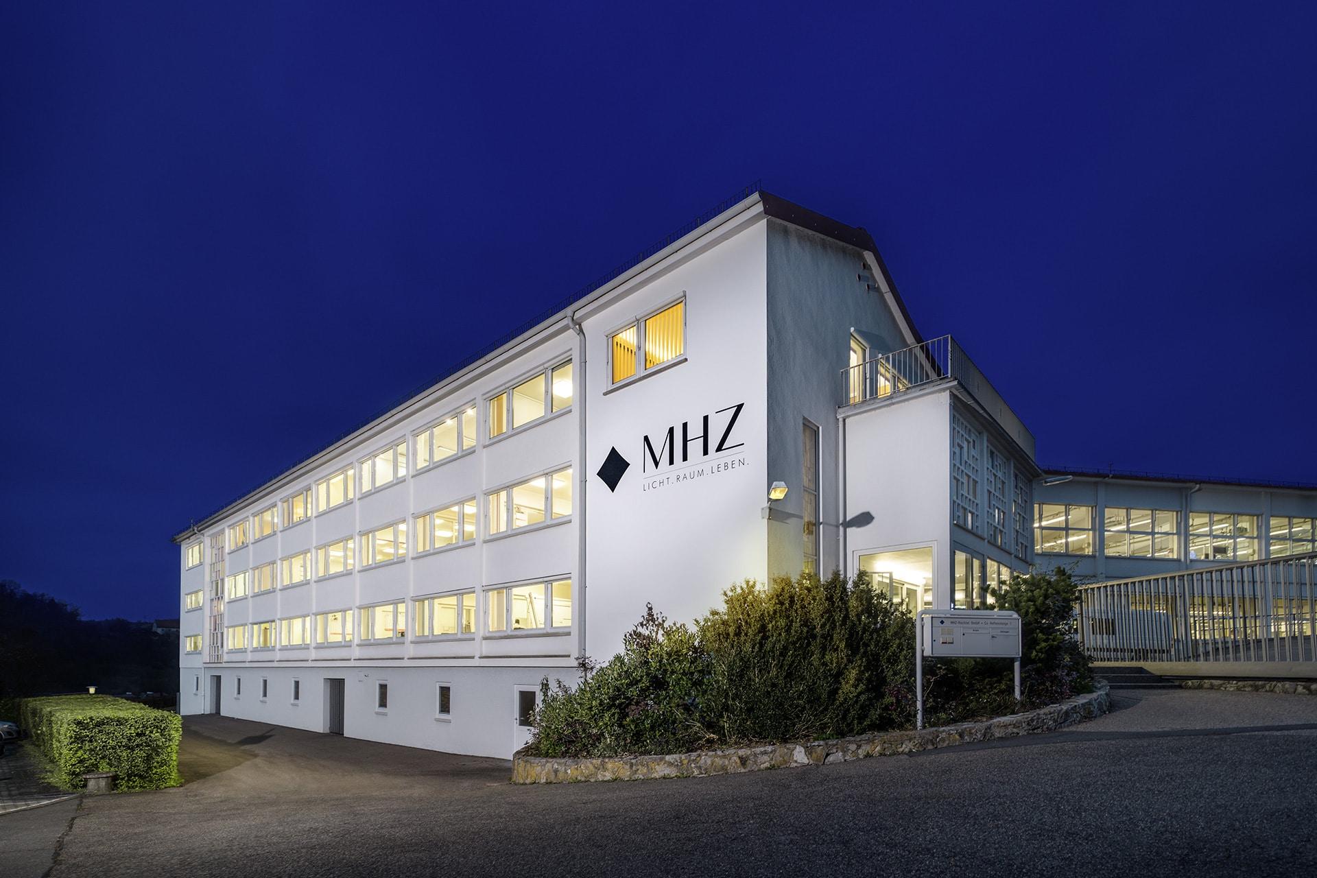 MHZ Niederstetten - Außenansicht vom Gebäude (Bild: Studio Tümmers)