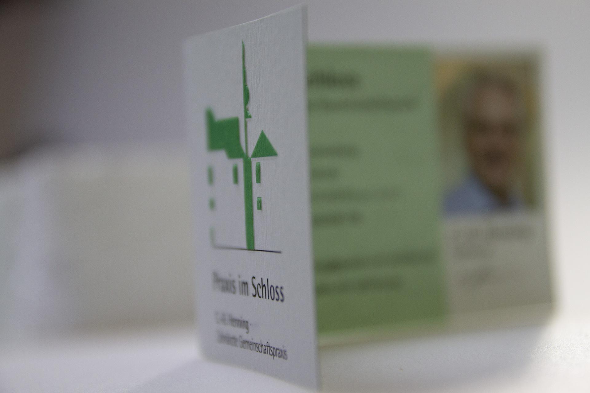 Visitenkarte für die Zahnarzt-Praxis im Schloss in Schrozberg